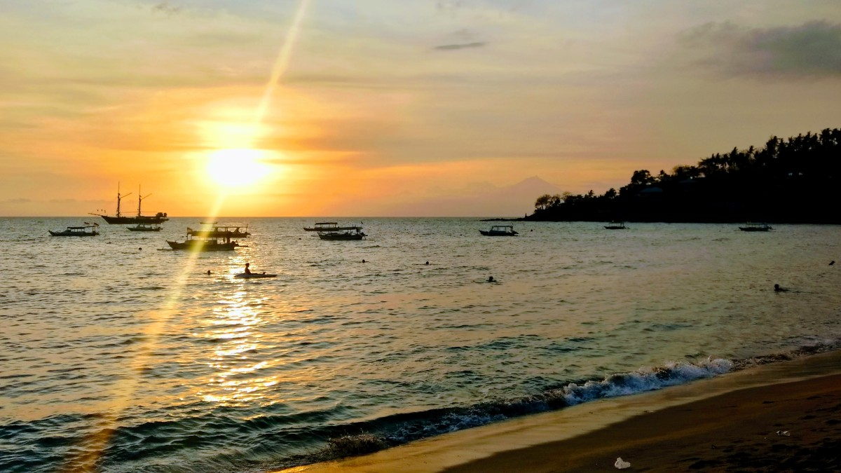Senggigi, Lombok: Let's get gigi with it!